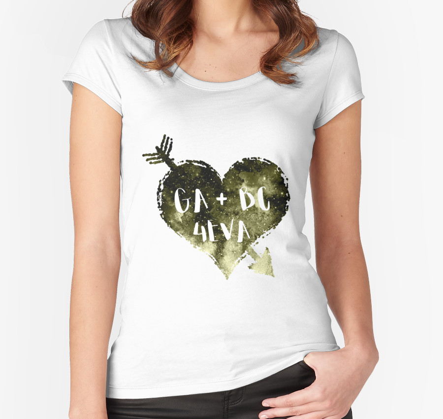 Show your love for Green Arrow and Black Canary with this shirt!