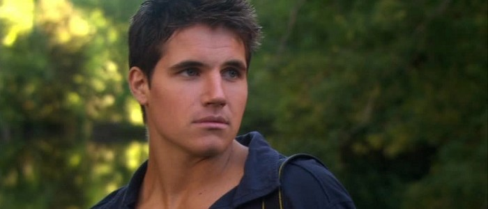 Robbie Amell Has Been Cast As A DC Hero In The Flash Series